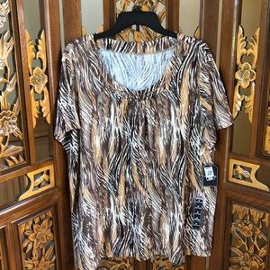 NWT Abstract Print Top Size 2X